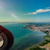Cockpit Hubschrauber mit Blick auf Bodensee