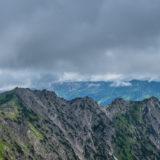 Hüttenkopf, Seeköpfel und Schattenberg mit Wolken im Allgäu